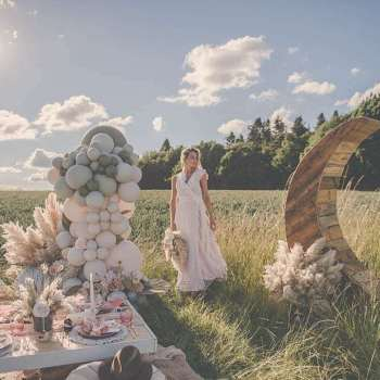 Luxe-Bohemian-Wedding-Picnic-Inspiration-Shoot-13