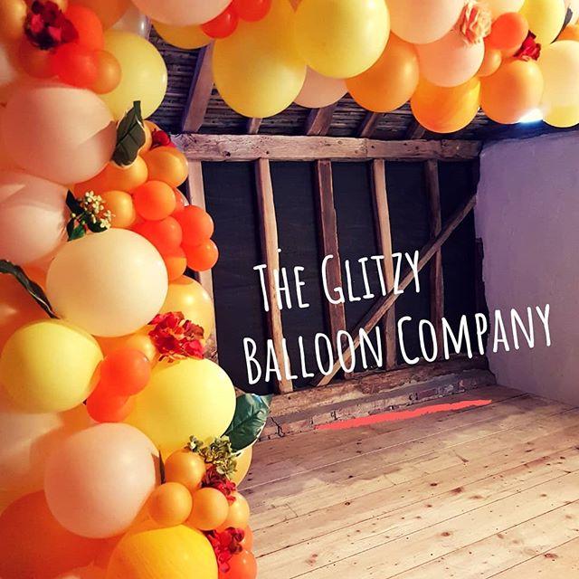 organic balloon arch, balloon arch, balloons
