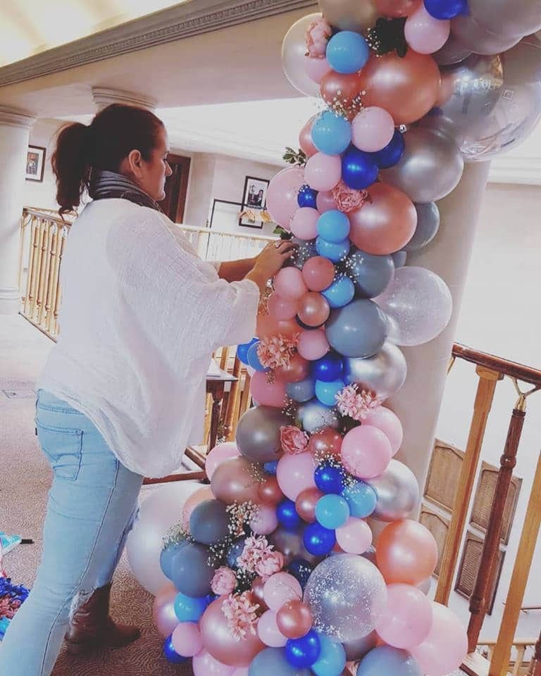 organic balloon arch, Balloon Decorator in Kent, Balloon Artist in Kent